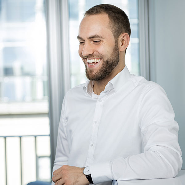 Porträtfoto von Andreas Hein, Berater und Researcher bei Below Tippmann & Compagnie Personalberatung GmbH