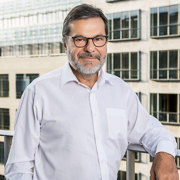 Porträtfoto von Jürgen Below, Geschäftsführender Gesellschafter der Below Tippmann & Compagnie Personalberatung GmbH