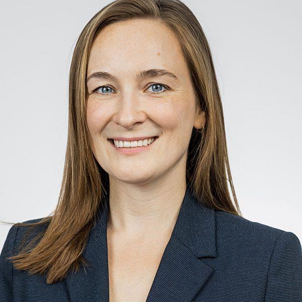 Das Portfrätfoto der Sofie Koss, im Research bei der Below Tippmann & Compagnie Personalberatung GmbH.